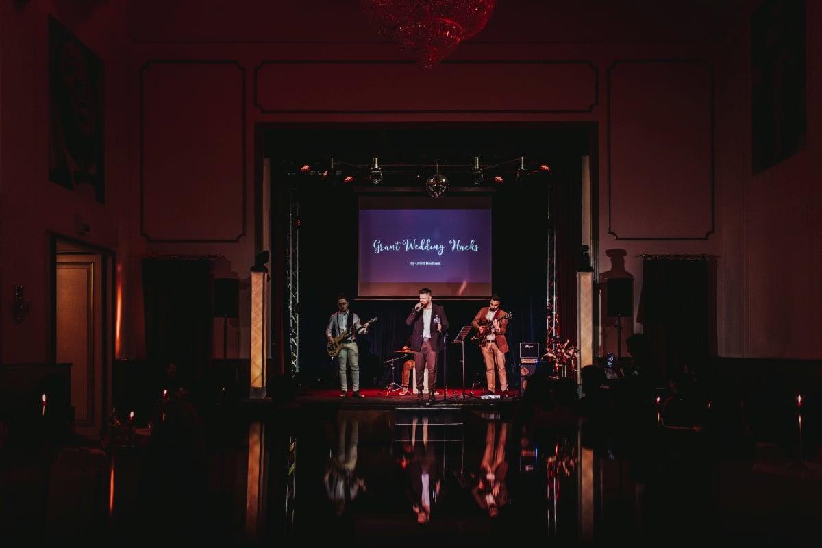 Grant Wedding Hacks, ihre Bühne und die Grant Liveband